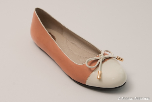 -The Zara ballerina pump is the perfect addition to any wardrobe, girly yet chic, adding a feminine touch to any outfit!